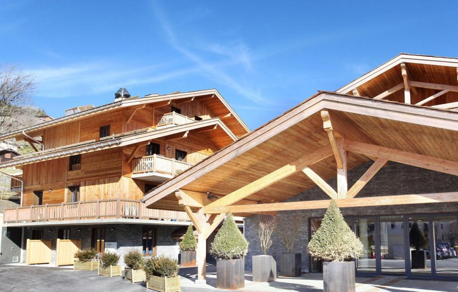 Location au ski Hôtel le Chamois - La Clusaz - Extérieur été