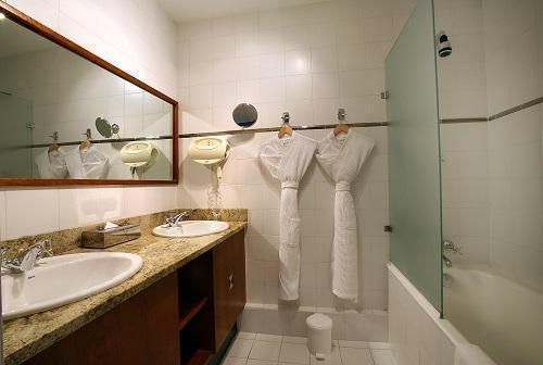 Urlaub in den Bergen Hôtel le New Solarium - Courchevel - Badezimmer
