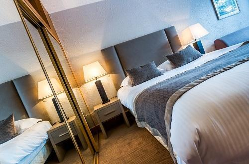Holiday in mountain resort Hôtel le New Solarium - Courchevel - Double bed