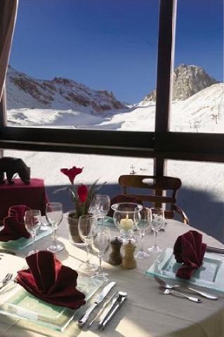 Urlaub in den Bergen Hôtel le Ski d'Or - Tignes - Tisch
