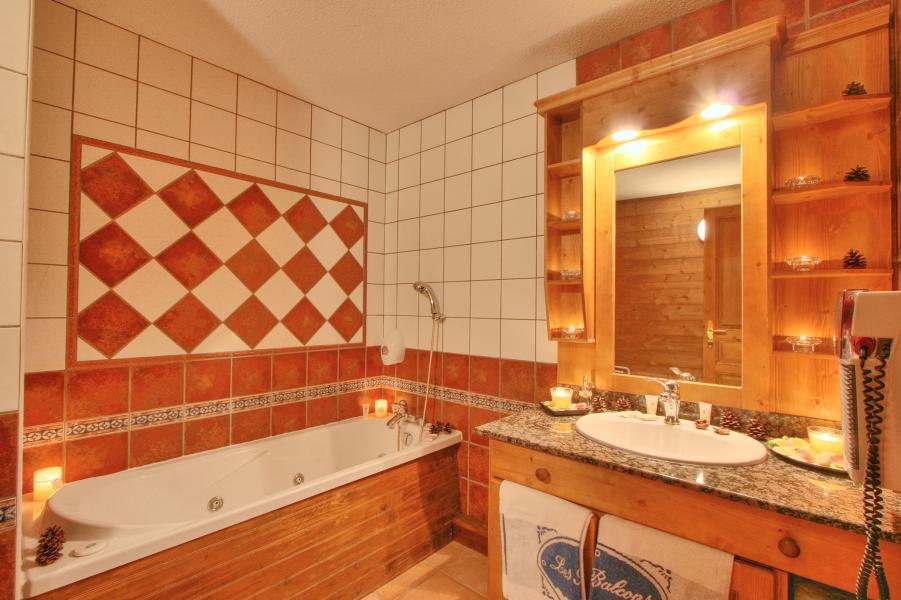 Holiday in mountain resort Hôtel les Balcons Village - La Plagne - Bathroom