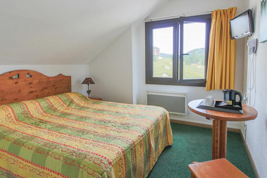 Urlaub in den Bergen Hôtel les Chardonnelles - Superdévoluy - Mansardenzimmer