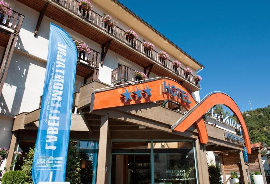 Location au ski Hôtel les Vallées - La Bresse - Extérieur été