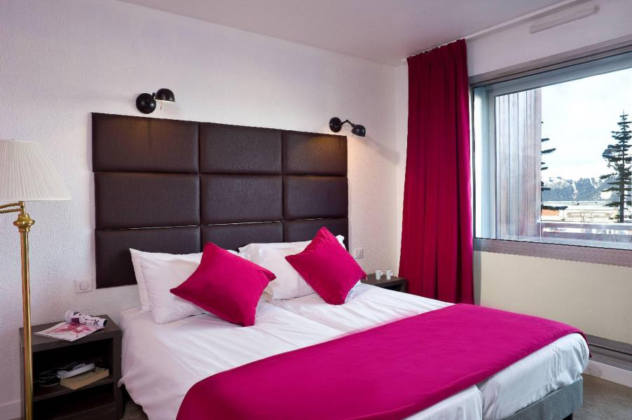 Holiday in mountain resort Hôtel Olympic - Courchevel - Double bed