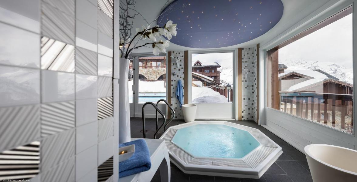 Urlaub in den Bergen Hôtel Village Montana - Tignes - Whirlpool