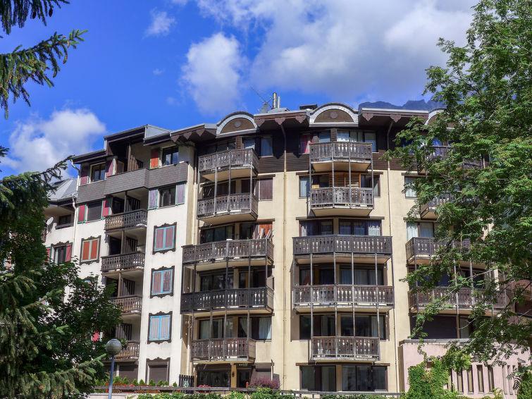 Holiday in mountain resort Jonquilles - Chamonix - Summer outside