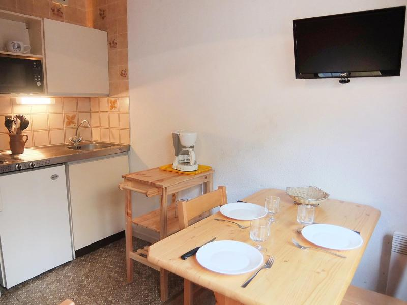 Holiday in mountain resort 1 room apartment 3 people (8) - L'Argousier - Les Menuires - Accommodation