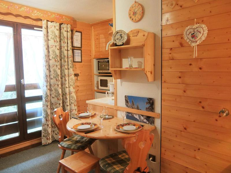 Holiday in mountain resort 1 room apartment 2 people (10) - L'Astragale - Les Menuires - Accommodation