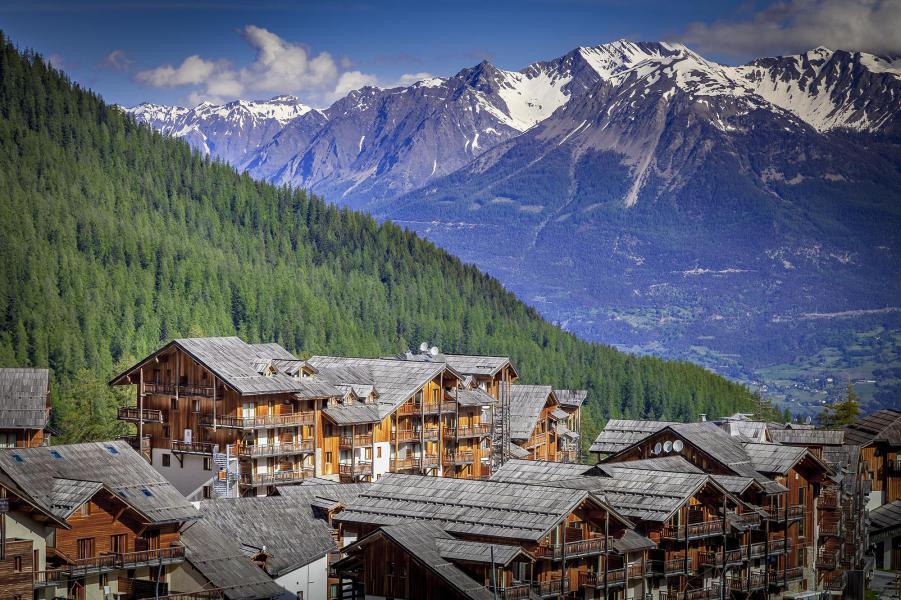 Location au ski L'Ecrin des Orres - Les Orres - Extérieur été