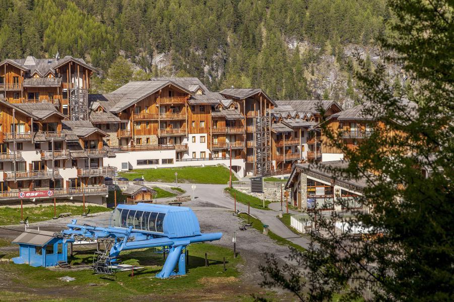 Location au ski L'Ecrin des Orres Confort - Les Orres - Extérieur été