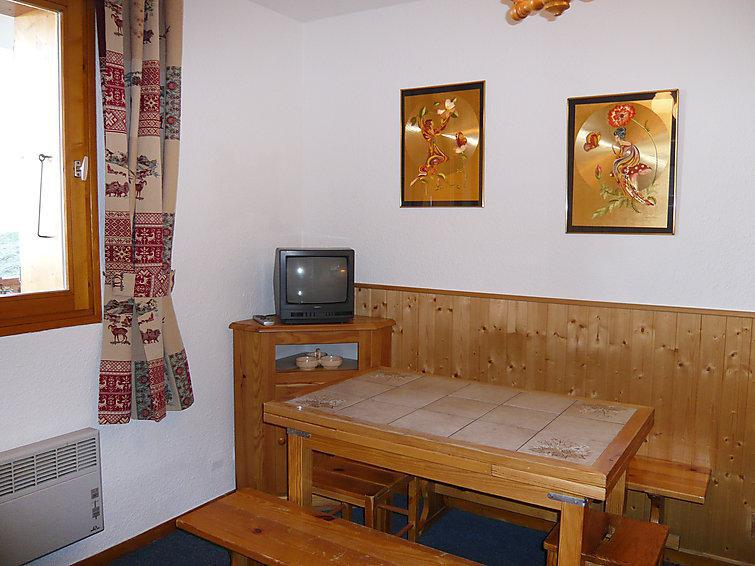 Holiday in mountain resort 2 room apartment cabin 6 people (6) - La Divaria - Tignes - Accommodation