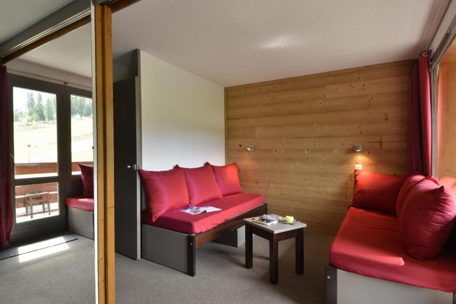 Holiday in mountain resort Studio 4 people (201) - La Résidence 3000 - La Plagne