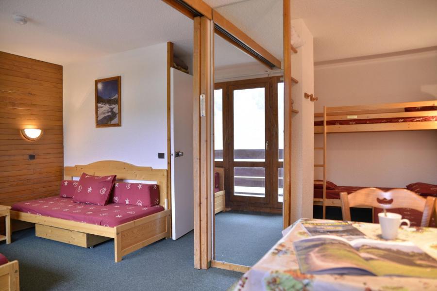 Holiday in mountain resort Studio 4 people (305) - La Résidence 3000 - La Plagne