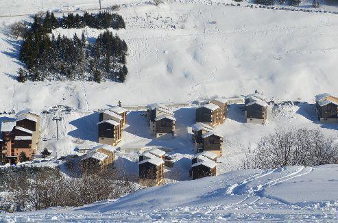 Аренда на лыжном курорте La Résidence Asters - Les Menuires - летом под открытым небом