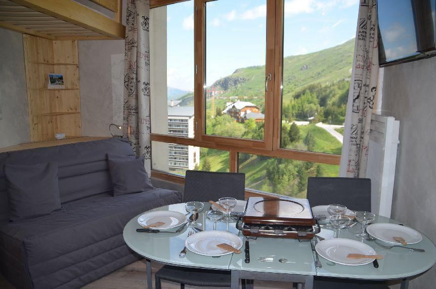 Vacances en montagne Appartement 2 pièces 4 personnes (1320) - La Résidence Caron - Les Menuires