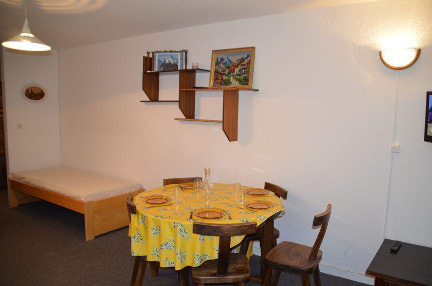 Vacances en montagne Appartement 2 pièces 5 personnes (201) - La Résidence Caron - Les Menuires - Logement