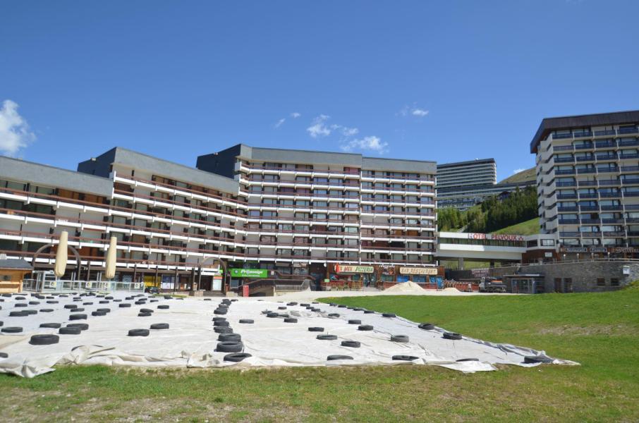 Vacances en montagne La Résidence Chavière - Les Menuires - Extérieur été