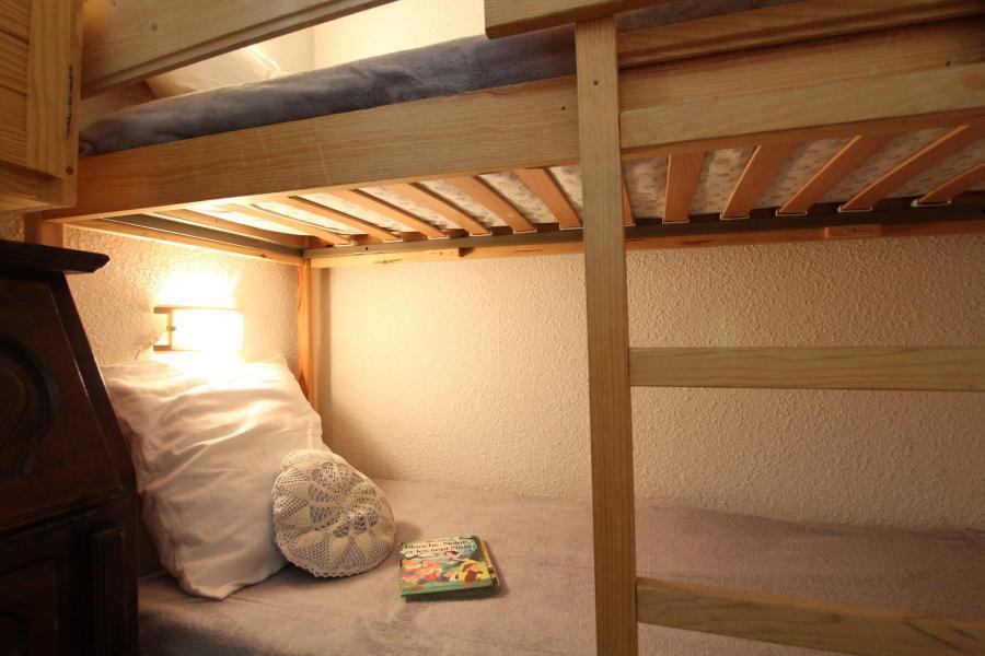 Holiday in mountain resort 4 room duplex apartment 6 people (A43) - La Résidence Ferme d'Augustin - Montgenèvre - Bunk beds
