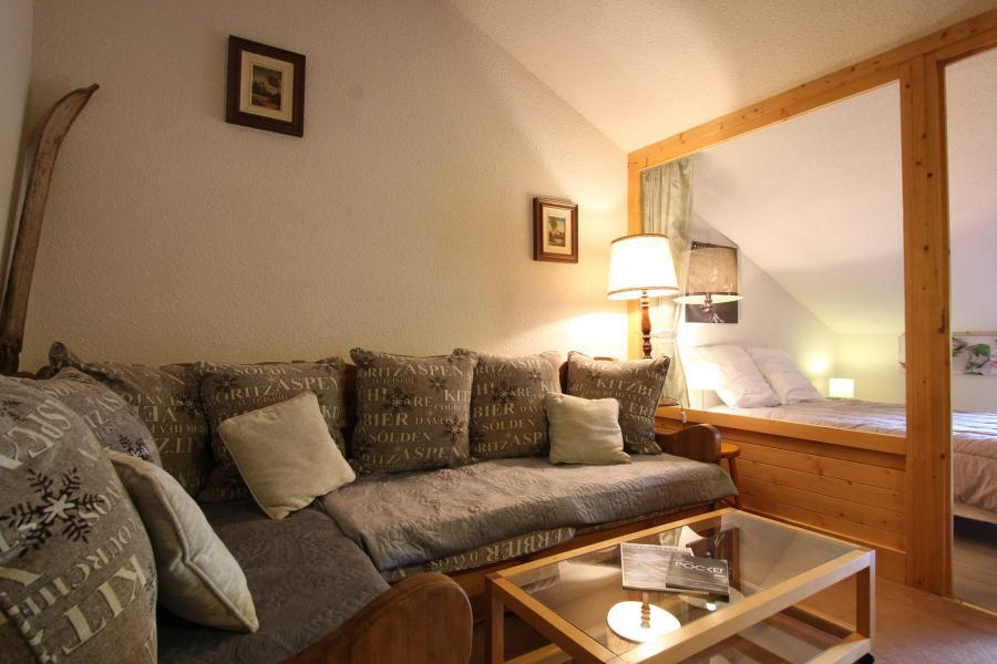 Holiday in mountain resort 4 room duplex apartment 6 people (A43) - La Résidence Ferme d'Augustin - Montgenèvre - Settee