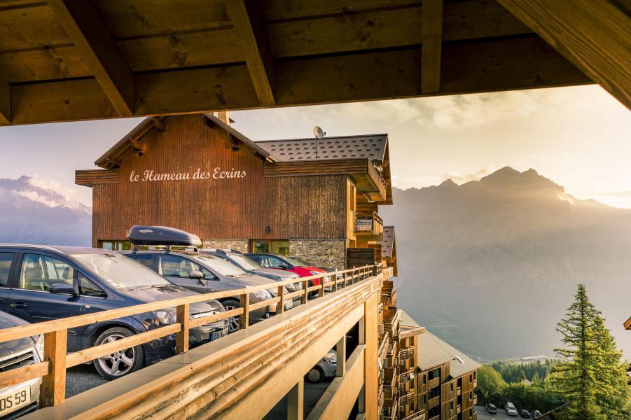 Vacaciones en montaña La Résidence Hameau des Ecrins - Puy-Saint-Vincent - Verano