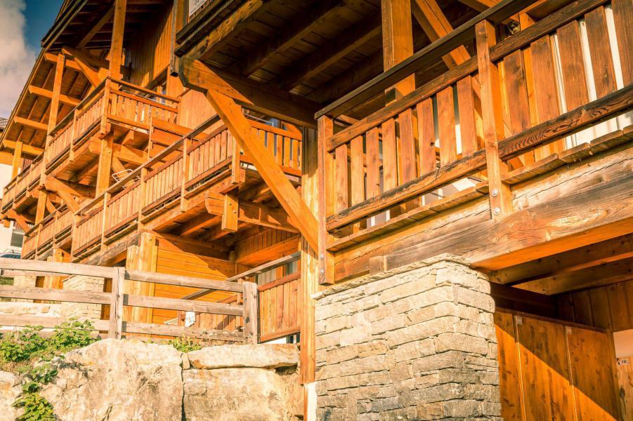 Vacances en montagne La Résidence Hameau des Ecrins - Puy-Saint-Vincent - Extérieur été