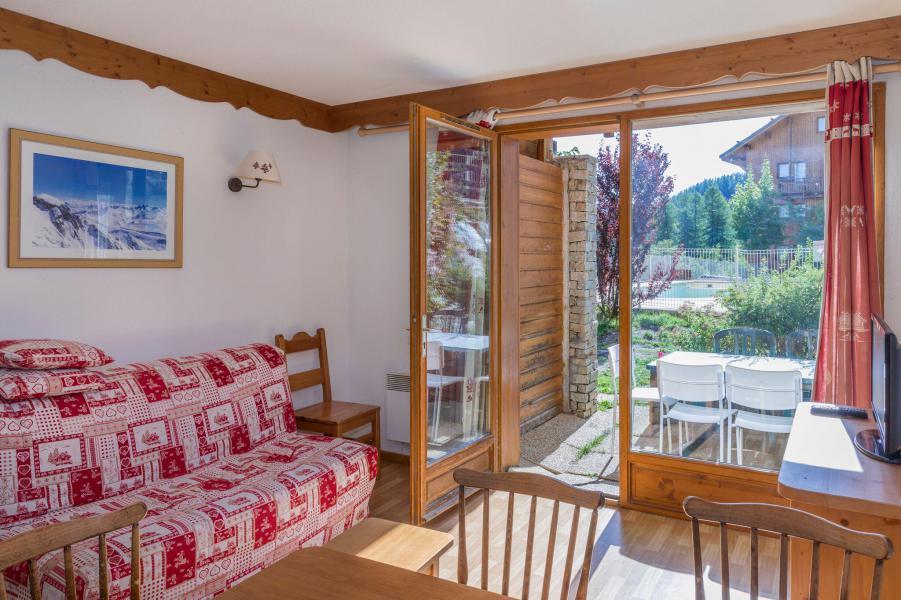 Vacaciones en montaña Apartamento 3 piezas para 6 personas - La Résidence Hameau des Ecrins - Puy-Saint-Vincent - Estancia