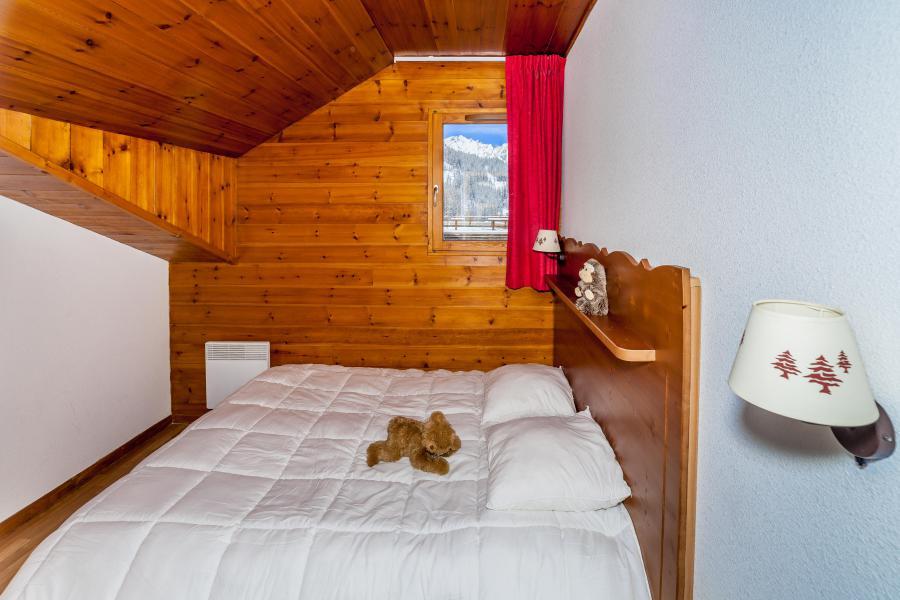 Vacaciones en montaña La Résidence Hameau des Ecrins - Puy-Saint-Vincent - Cama doble
