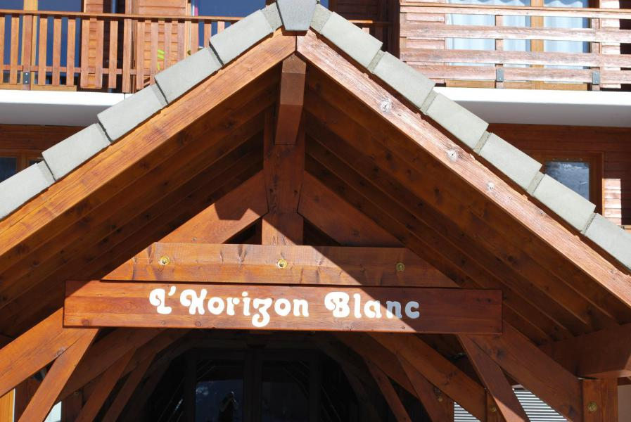 Location au ski La Résidence Horizon Blanc - La Joue du Loup - Extérieur été