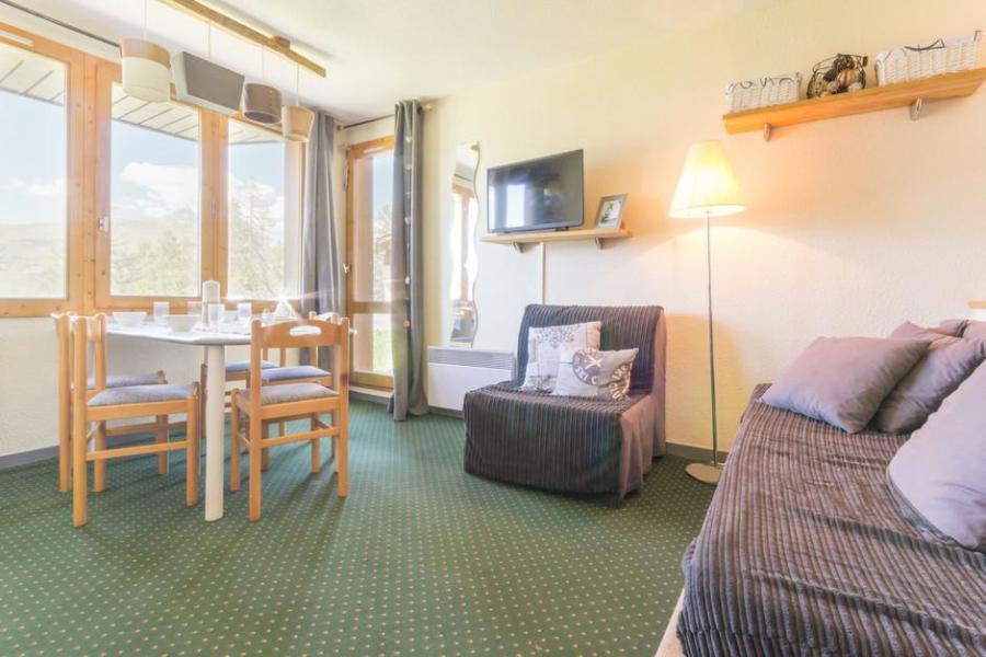 Holiday in mountain resort 2 room apartment cabin 6 people (004) - La Résidence le 3ème Dé - Montchavin - La Plagne - Armchair