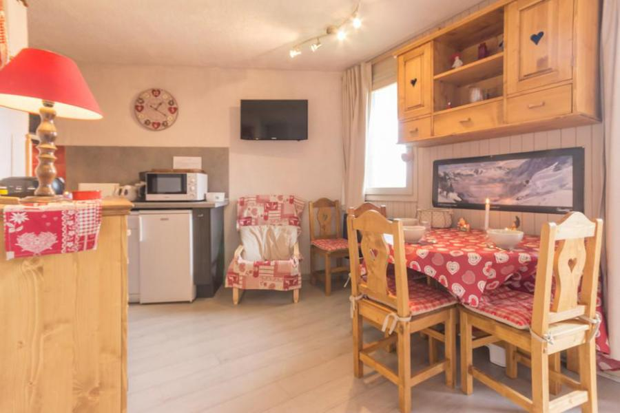 Holiday in mountain resort Studio cabin 4 people (BAI2) - La Résidence le Bastion I - Montchavin - La Plagne - Chair
