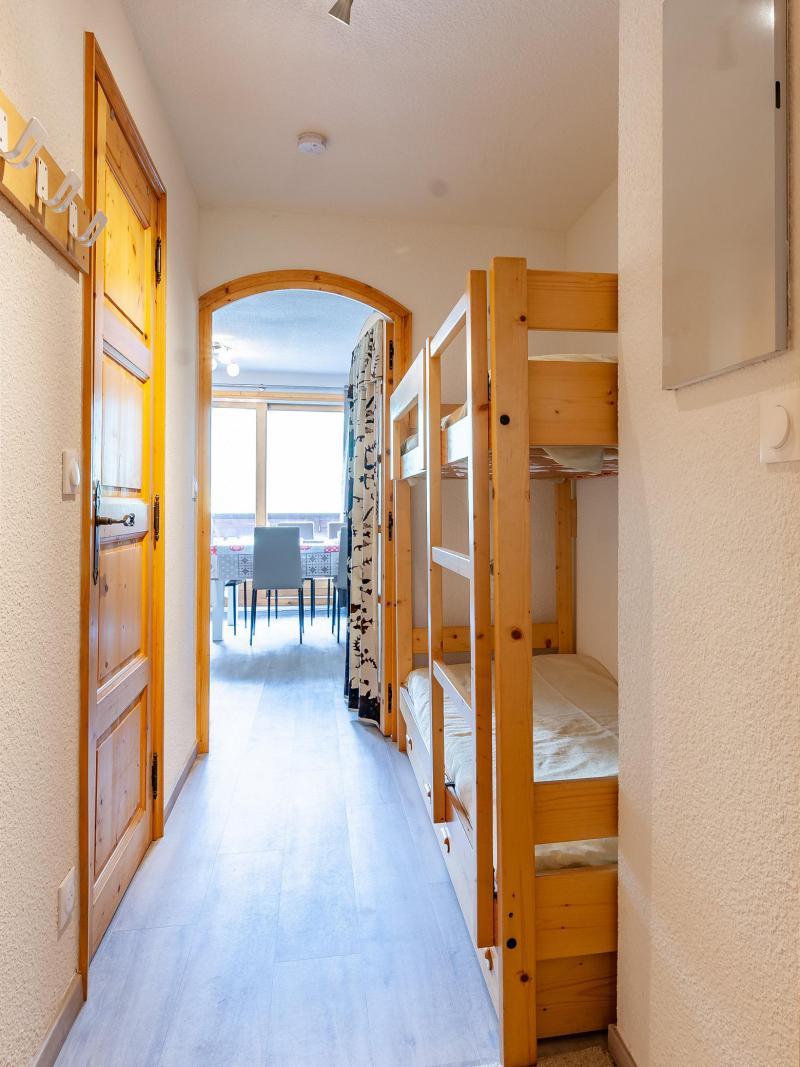 Vacances en montagne Appartement 2 pièces 5 personnes (B2) - La Résidence le Christmas - Méribel - Couloir