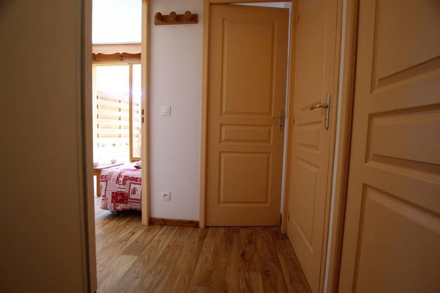 Holiday in mountain resort 2 room apartment 4 people (A303) - La Résidence le Hameau des Ecrins - Puy-Saint-Vincent - Accommodation