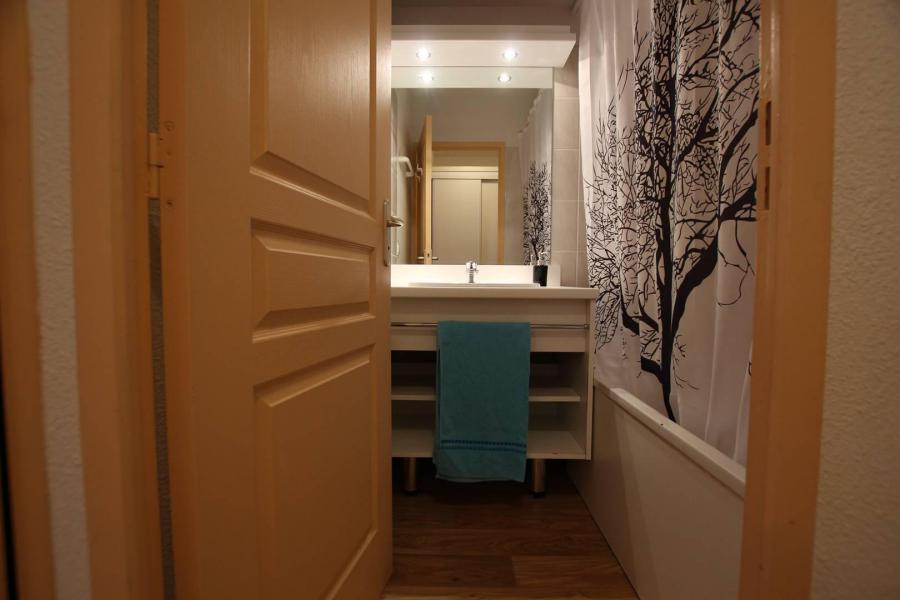 Holiday in mountain resort 2 room apartment 4 people (A303) - La Résidence le Hameau des Ecrins - Puy-Saint-Vincent - Living room