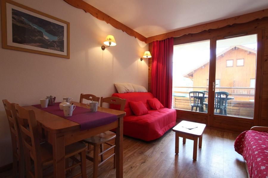 Holiday in mountain resort 2 room apartment 4 people (A911) - La Résidence le Hameau des Ecrins - Puy-Saint-Vincent - Living room