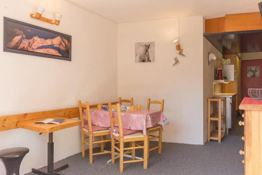 Holiday in mountain resort Studio sleeping corner 4 people (415) - La Résidence le Miravidi - Les Arcs - Table