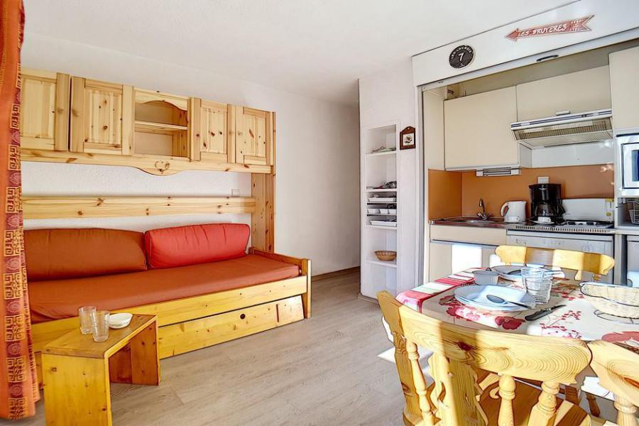 Holiday in mountain resort Studio cabin 4 people (224) - La Résidence le Sorbier - Les Menuires - Living room