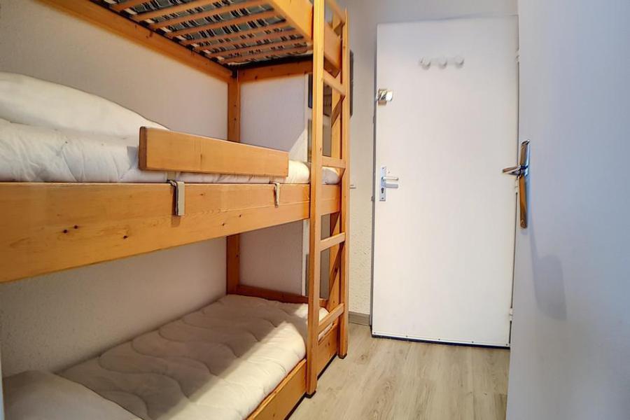 Holiday in mountain resort Studio sleeping corner 4 people (010) - La Résidence les Carlines - Les Menuires - Bunk beds