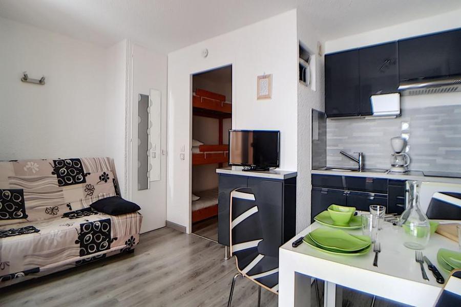 Holiday in mountain resort Studio sleeping corner 4 people (010) - La Résidence les Carlines - Les Menuires - Kitchenette