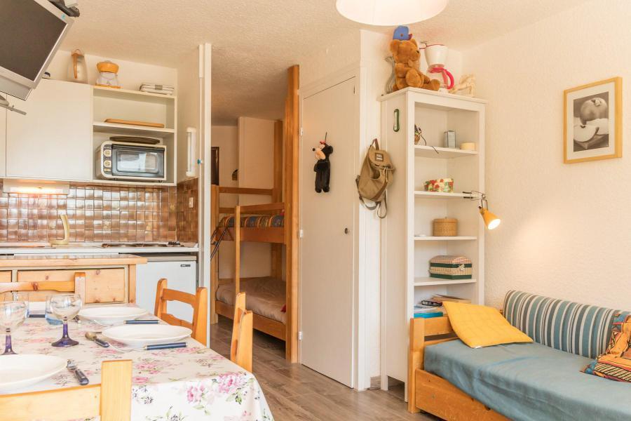 Holiday in mountain resort Studio sleeping corner 4 people (INNO08) - La Résidence les Chalmettes - Montgenèvre
