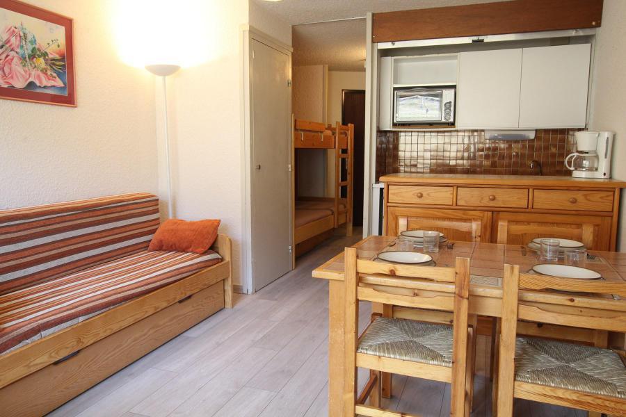 Holiday in mountain resort Studio sleeping corner 4 people (MOU002) - La Résidence les Chalmettes - Montgenèvre