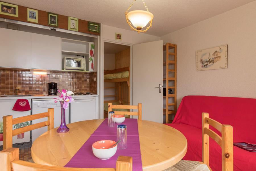 Holiday in mountain resort Studio sleeping corner 4 people (ORE225) - La Résidence les Chalmettes - Montgenèvre