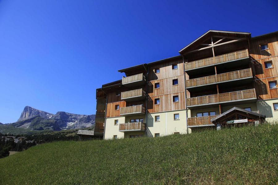Location au ski La Résidence les Chaumettes - Superdévoluy - Extérieur été