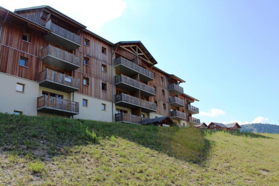 Rent in ski resort La Résidence les Chaumettes - Superdévoluy - Summer outside