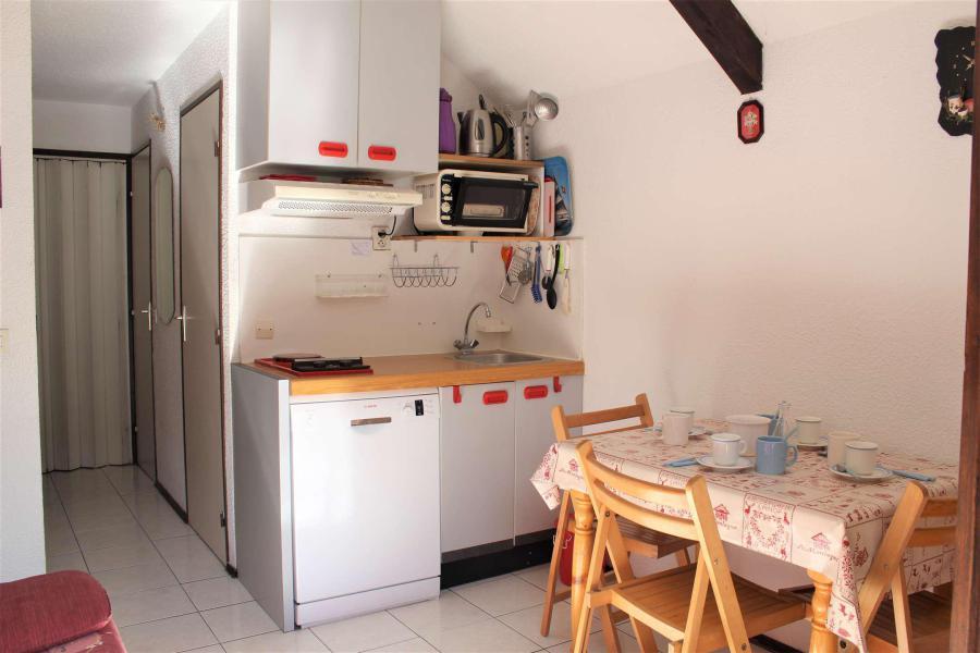 Wakacje w górach Apartament 2 pokojowy 4 osób (0208) - La Résidence Les Colchiques - Vars - Kanapą