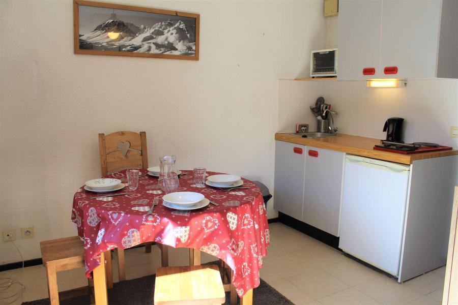 Wakacje w górach Studio z alkową 4 osoby (0405) - La Résidence Les Colchiques - Vars - Pokój gościnny