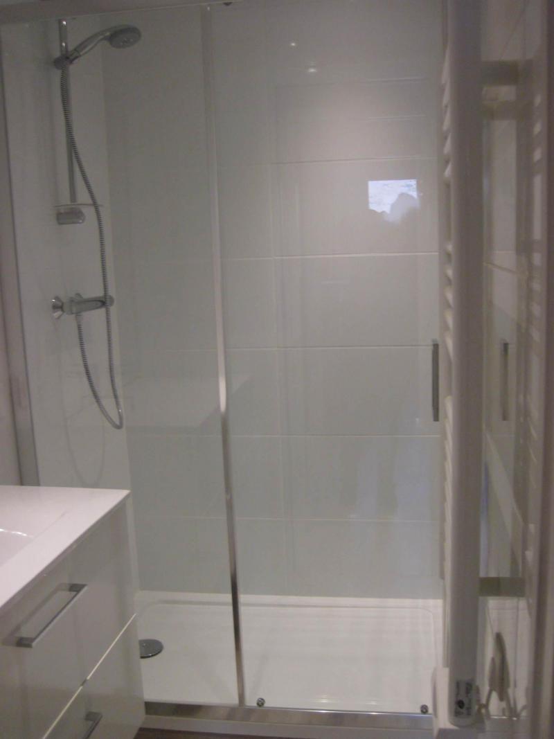 Holiday in mountain resort 2 room apartment 5 people (CSD6) - La Résidence les Côtes - Montchavin - La Plagne - Shower