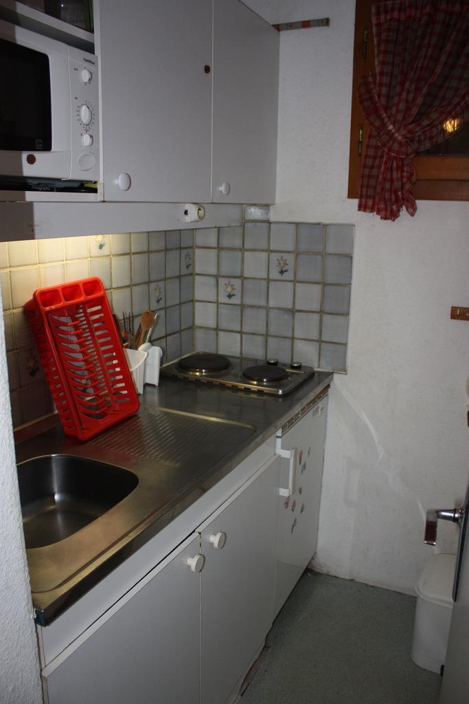 Holiday in mountain resort 2 room apartment 6 people (CSA1) - La Résidence les Côtes - Montchavin - La Plagne - Kitchenette