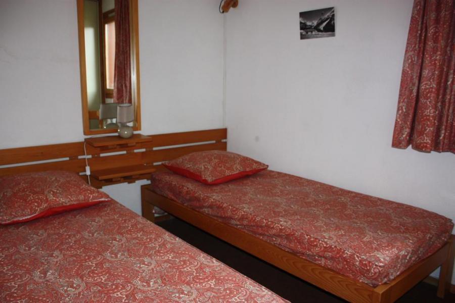 Holiday in mountain resort 2 room duplex apartment 6 people (CSD8) - La Résidence les Côtes - Montchavin - La Plagne - Bedroom
