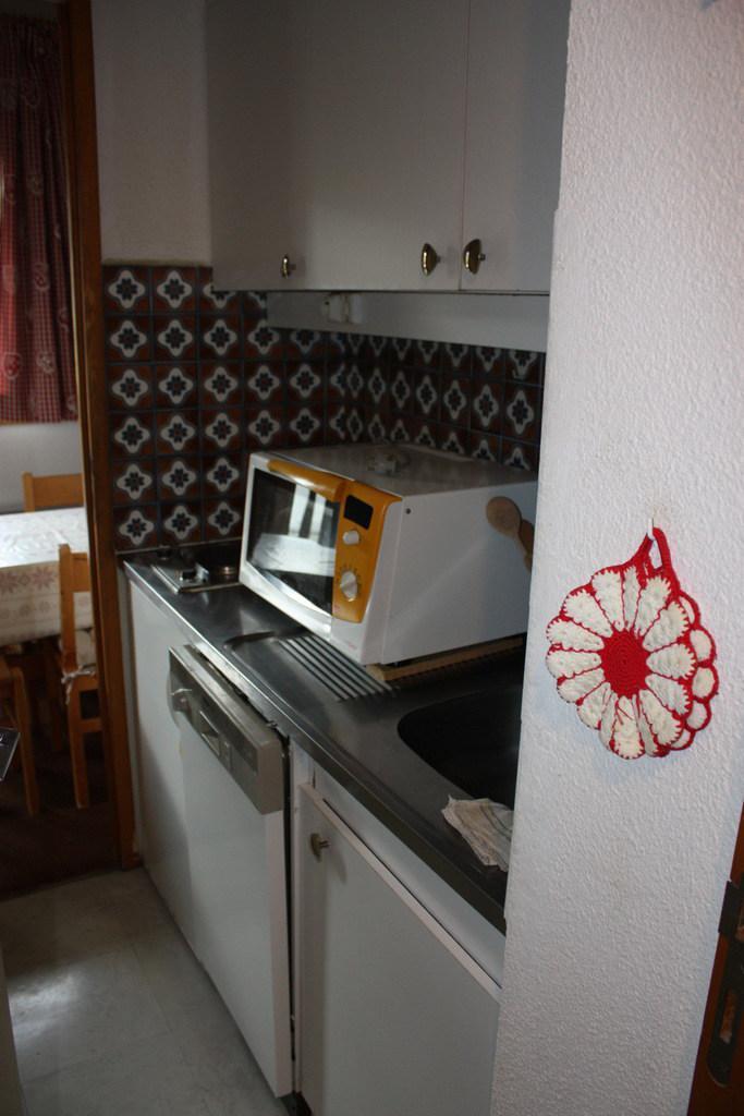 Holiday in mountain resort 2 room duplex apartment 6 people (CSD8) - La Résidence les Côtes - Montchavin - La Plagne - Kitchenette