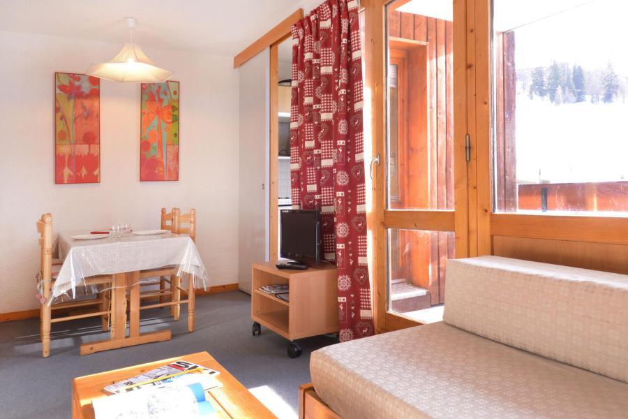 Holiday in mountain resort Studio 4 people (327) - La Résidence les Glaciers - La Plagne